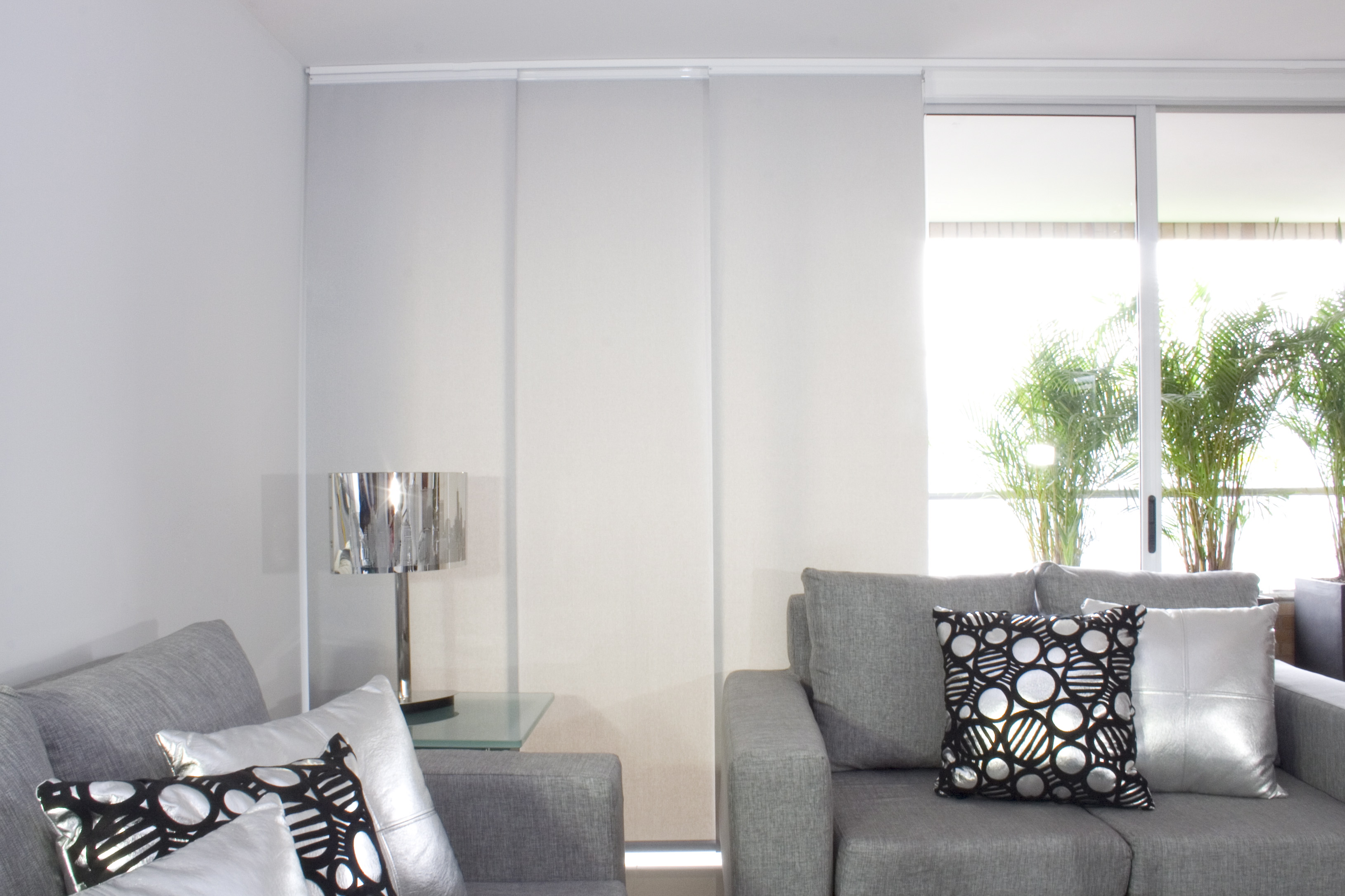 Ventanas intimidad decoraci n cortinas persianas - Como colocar panel japones ...